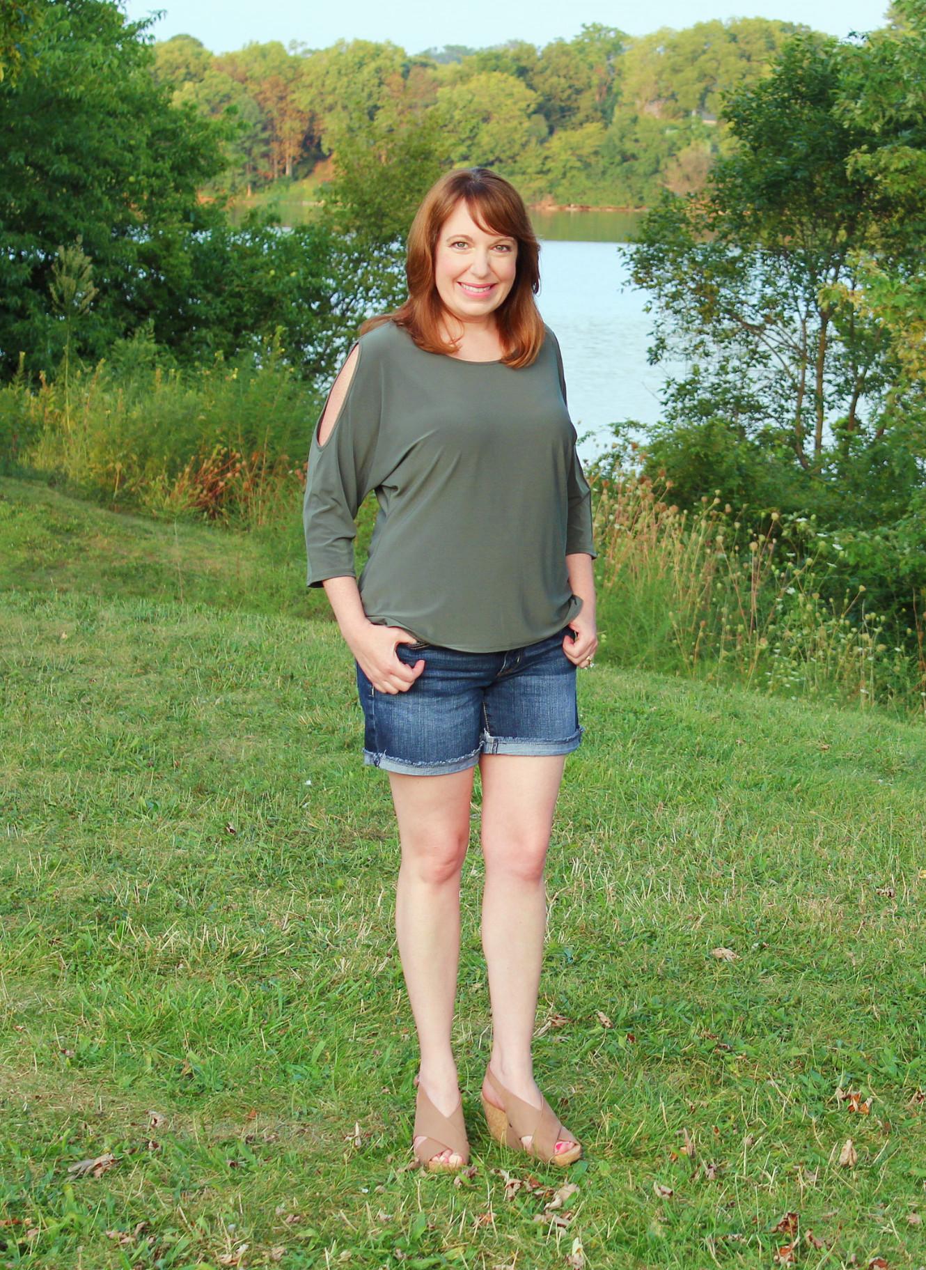 Split Sleeve Green Shirt With Jean Shorts
